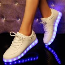 Modern Oplaadbare Sneakers met Kleurrijke Led Lampjes