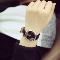 Mode PU Leer Horloge Band Uitgehold Driehoek Wijzer Horloges