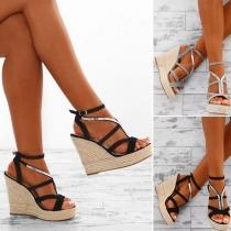 Modern Schoenen met Sleehakken Contrasterende Kleuren Open Neuzen en Riempjes