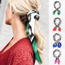 Sjaal met Contrasterende Kleuren en Luipaardpatroon