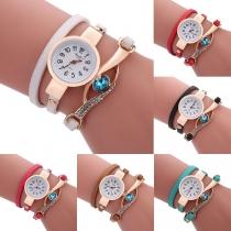 Moderne Horloge met Ingelegd Strass