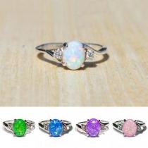 Moderne Ring van Aluminium met Ingelegde Gekleurde Kunstedelsteen