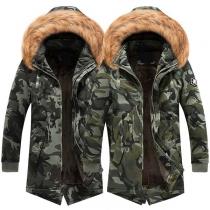 Moderne Gevoerde Jas voor Heren met Kunstbont capuchon Pluchen Voering en Camouflagepatroon