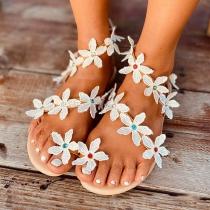 Leuke Sandalen met Platte Hakken en Bloemen