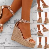 Moderne Schoenen met Sleehakken en Open Tenen