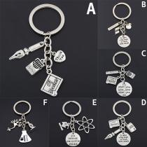 Moderne Zilveren Sleutelhanger voor Leerkrachten met Verschillende Hangers