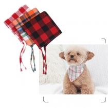 Moderne Geruite Driehoekige Sjaal voor Huisdieren in Contrasterende Kleuren