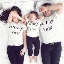Casual T-shirt voor Ouders en Kinderen met Tekstprint Korte Mouwen en Ronde Halslijn