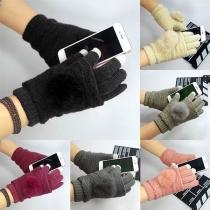 Moderne Touch Sensitieve Gebreide Handschoenen met Contrasterende Kleuren en Pompons