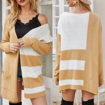 Moderne Dunne Gebreide Vest met Contrasterende Kleuren Lange Mouwen en Losse Pasvorm