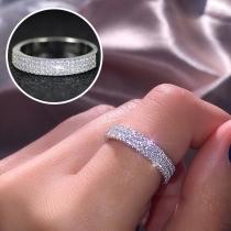 Moderne Ring van Aluminium met Ingelegd Strass