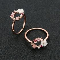 Leuke Ring met Bloemen van Ingelegd Strass