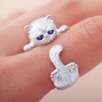 Leuke Ring in Kattenvorm met Ingelegd Strass
