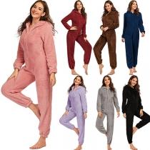 Leuke Eendelige Pyjama van Pluche met Lange Mouwen en Capuchon