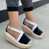 Moderne Open Schoenen in Contrasterende Kleuren met Ronde Neuzen en Dikke Zolen