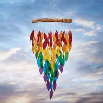 Kleurrijke Esdoornblad Windgong in een Creatieve Stijl