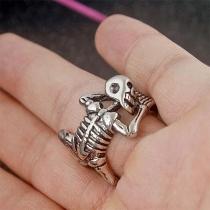 Zilveren Halloween-Ring in Retrostijl in Skeletform